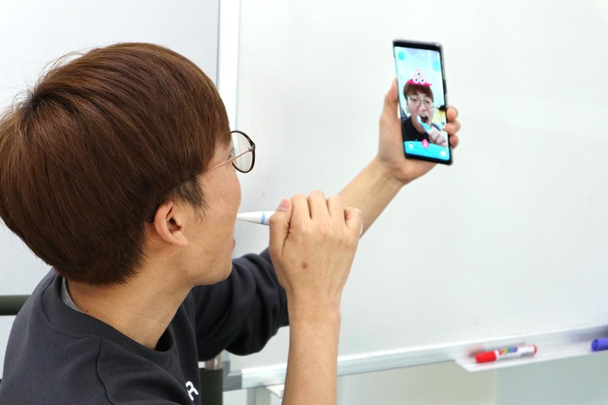 KITTEN PLANET CEOのChoi氏自ら実演